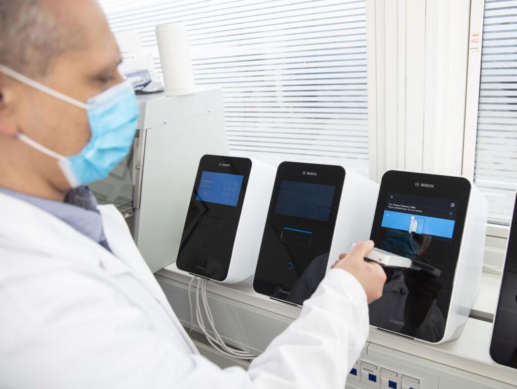 Kom sikkert ud og hjem - PCR-test og svar på kun 25 minutter   Airport Doctor CPH